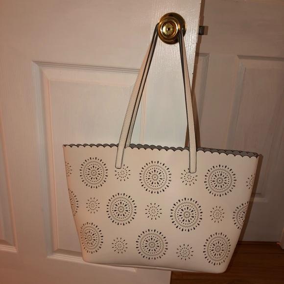 0869504c4797 INC International Concepts Bags